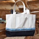 Gundalow Company tote bag with navy blue bottom panel
